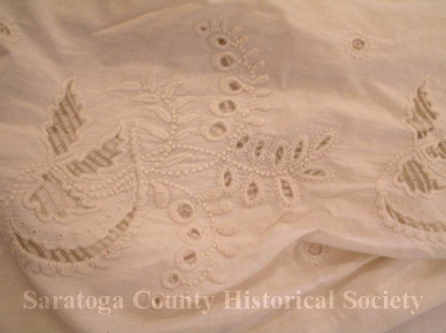 19810250002-2 dress detail